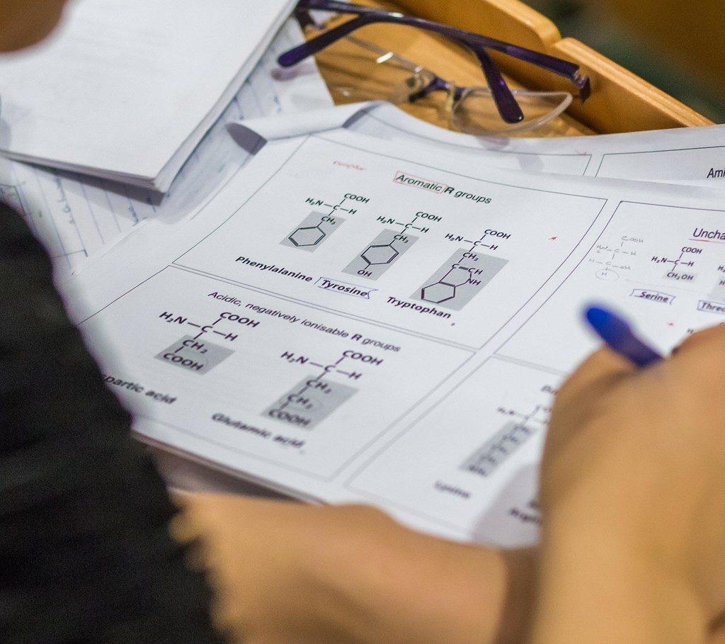 نمونه سوالات امتحان ورودی مجارستان